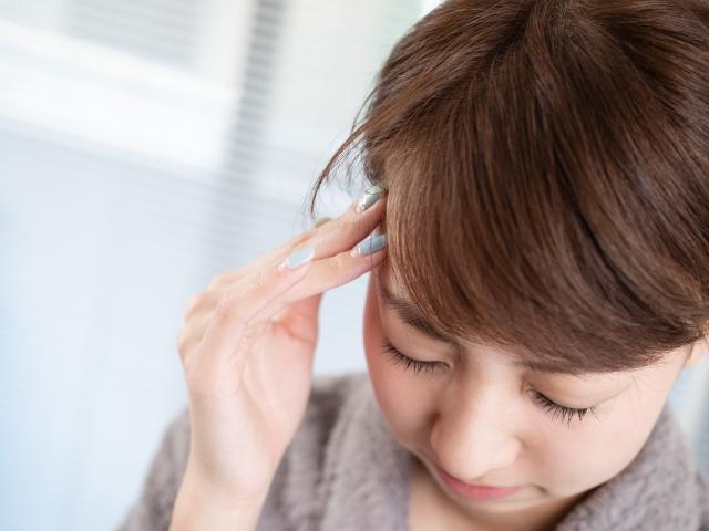 ストレスや姿勢の悪さも頭痛の原因になります